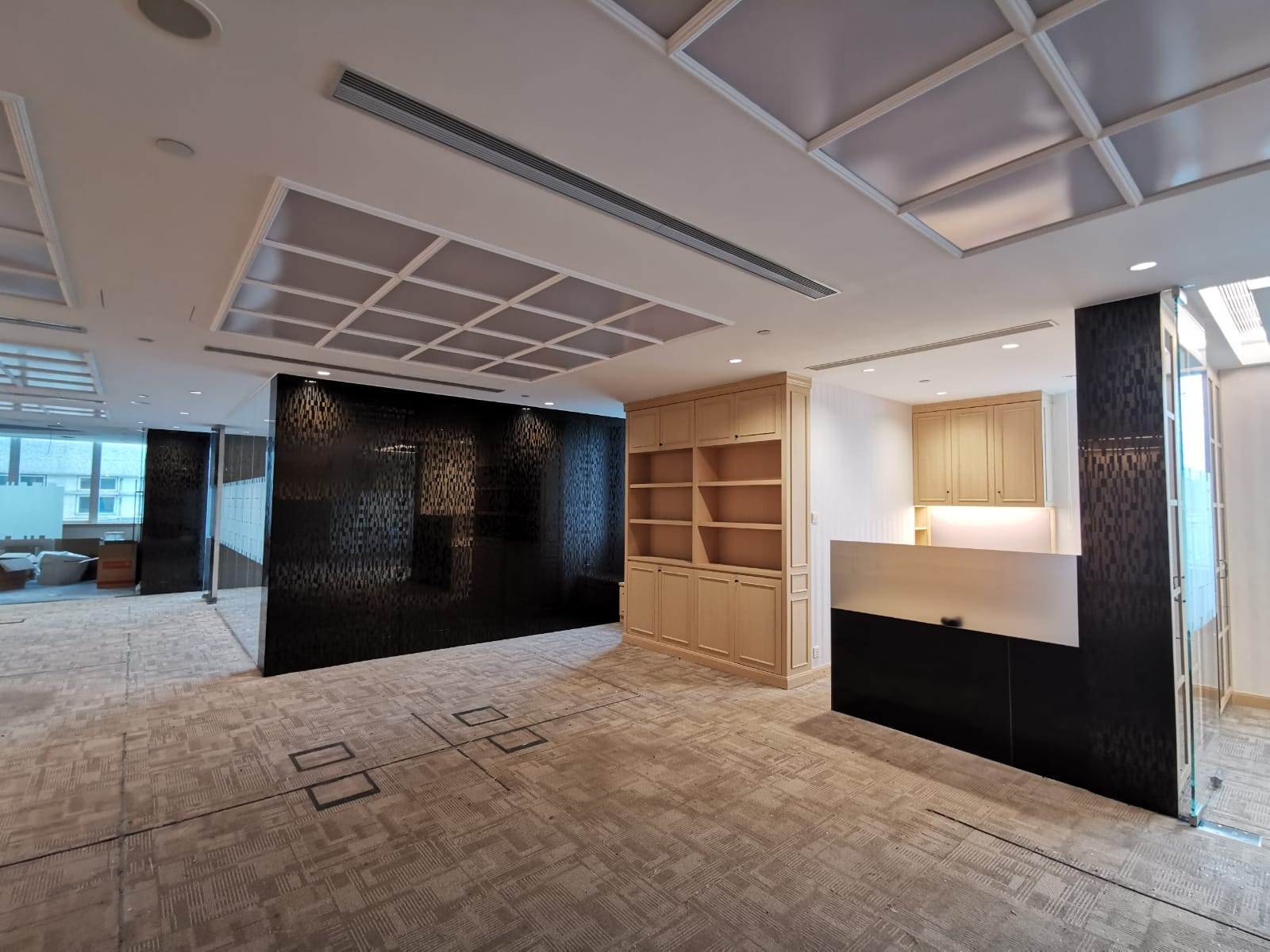 Middle level whole floor, 9 Des Voeux Road West, Sheung Wan