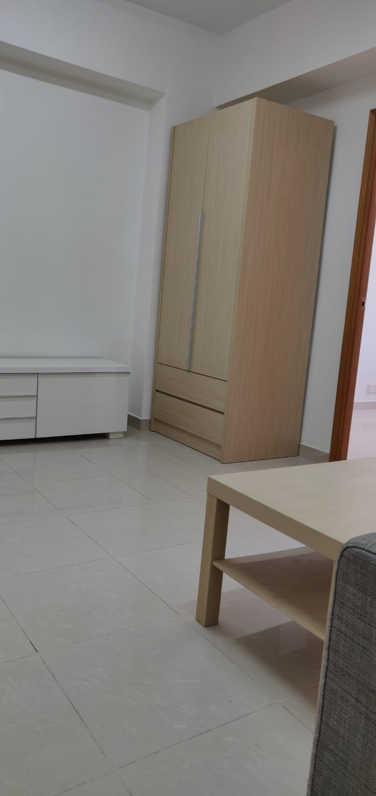 [Wan Chai]  WING TAK MANSION, Lower Floor Flat, 2 rooms 1 toilet