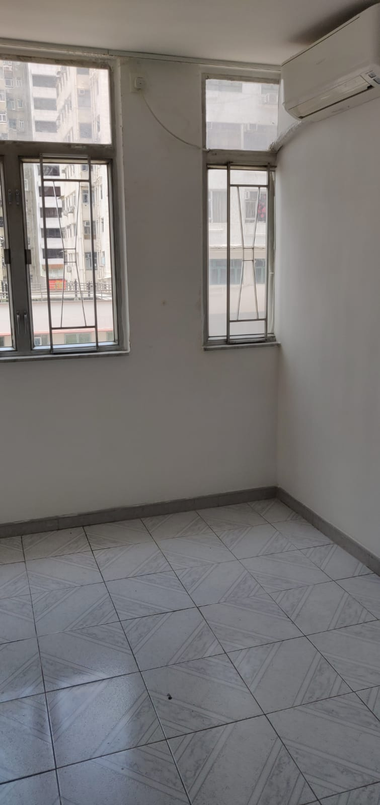 [Causeway Bay]  YAN WO YUET BUILDING, Lower Floor Flat, 2 rooms 1 toilet