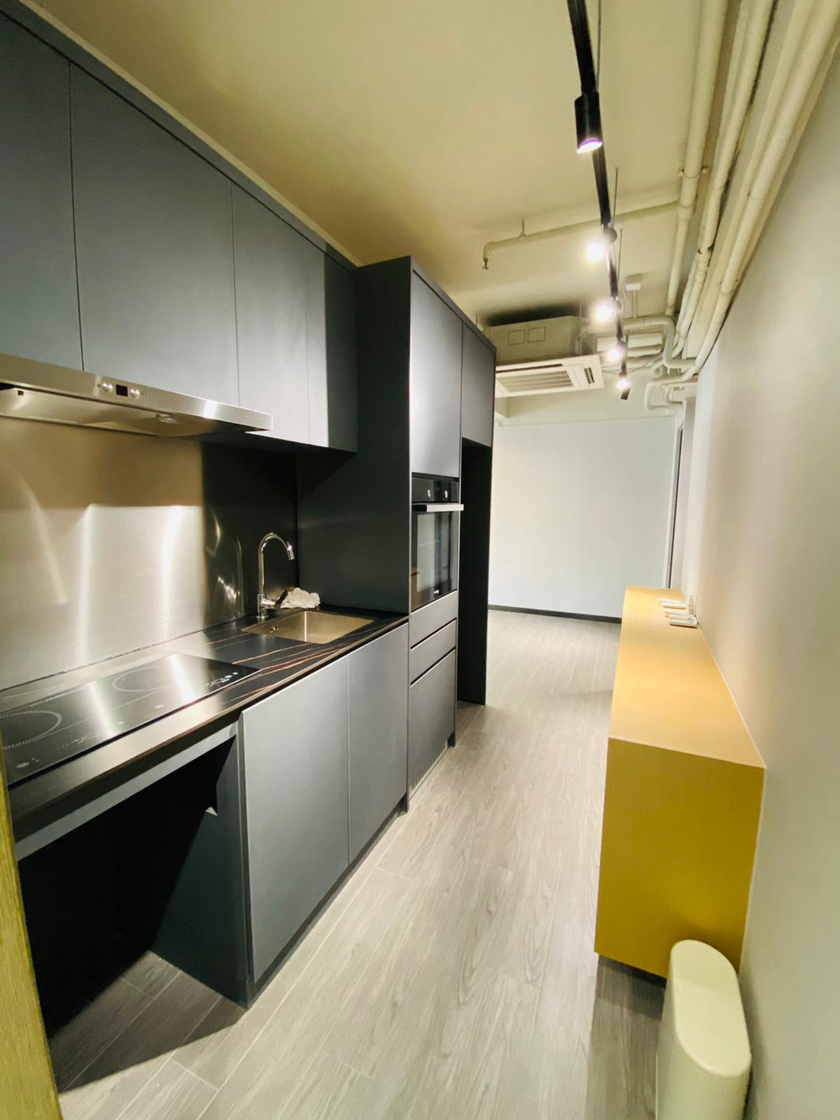 [Central] Glenealy Tower, Commercial and Residential Unit,  3 bedrooms +  toilet, Gross 1,100 sq.ft