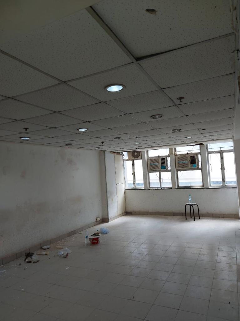 [Sheung Wan] [Fu Hing Building] Industrial/Commercial,  lower floor, unfurnished, good for warehouse
